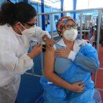 El acceso y distribución de las vacunas contra el covid-19 también juega un papel importante para la economía. (Foto, Prensa Libre: Hemeroteca PL).