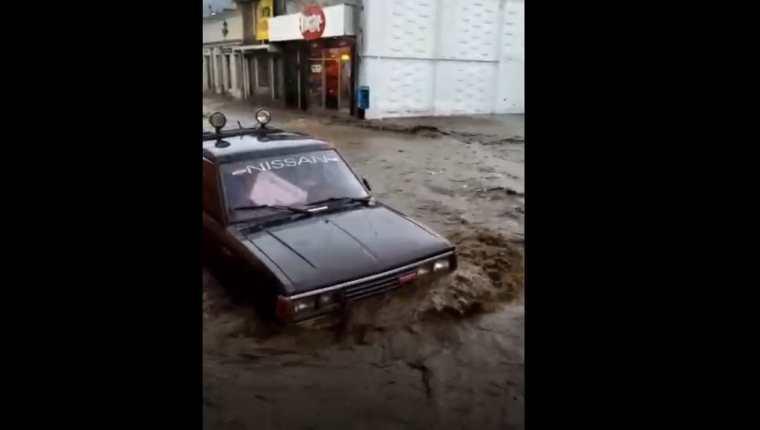 Inundaciones en Xela este sábado 22 de mayo de 2021. (Foto Prensa Libre: Colaboración)