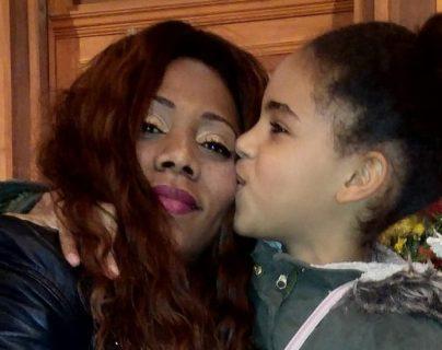 """""""Cuando la enfermedad rara le toca a tu hija te vuelves loca"""": la lucha de una madre dominicana contra la extraña dolencia de su hija (y lo que encontró en el sur de su país)"""