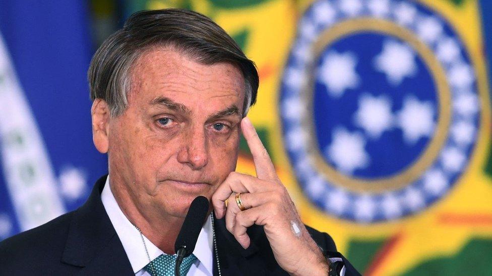 Copa América 2021: qué puede ganar o perder Bolsonaro al llevar la competición a Brasil en plena pandemia