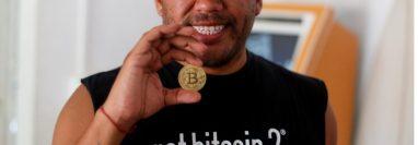 El Salvador se convirtió en el primer país en aprobar el uso del bitcoin como moneda de curso legal. (REUTERS)
