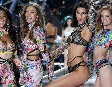 Las modelos Winnie Harlow, Gigi Hadid, Kendall Jenner y Alexina Graham aparecieron en el último desfile de Victoria's Secret en 2018.