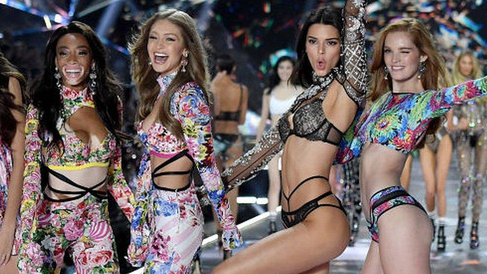 Victoria's Secret se renueva: ¿servirá el cambio de imagen del gigante de la lencería para recuperar su dominio?