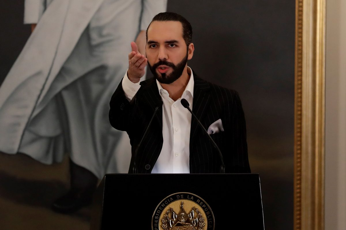 Gobierno de Nayib Bukele expulsa del país al periodista mexicano Daniel Lizárraga, editor de El Faro