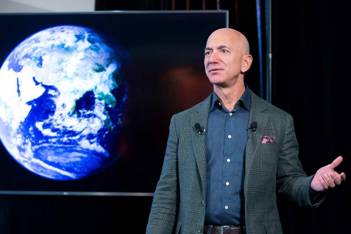 Jeff Bezos irá al espacio en el primer vuelo turístico de Blue Origin (y también subastará un puesto)