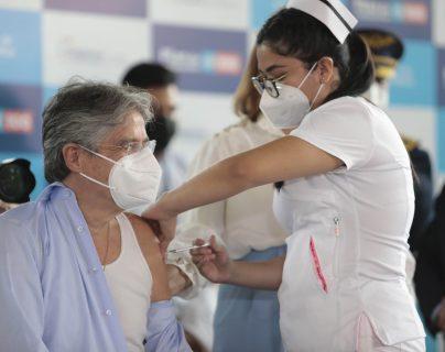 Qué se sabe sobre la donación de sangre de personas vacunadas contra el covid-19 y la noticia falsa que surgió sobre el tema