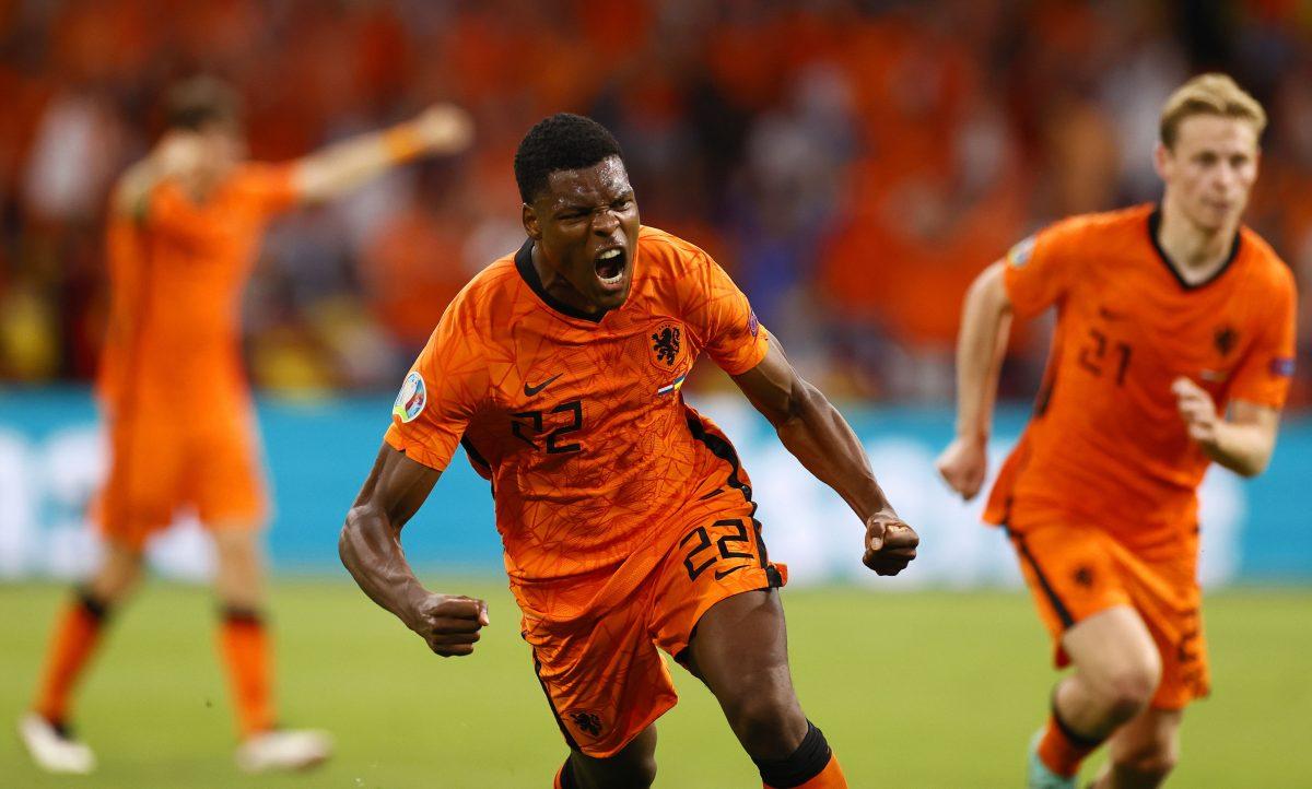 Holanda vence 3-2 a Ucrania en su debut en la Eurocopa