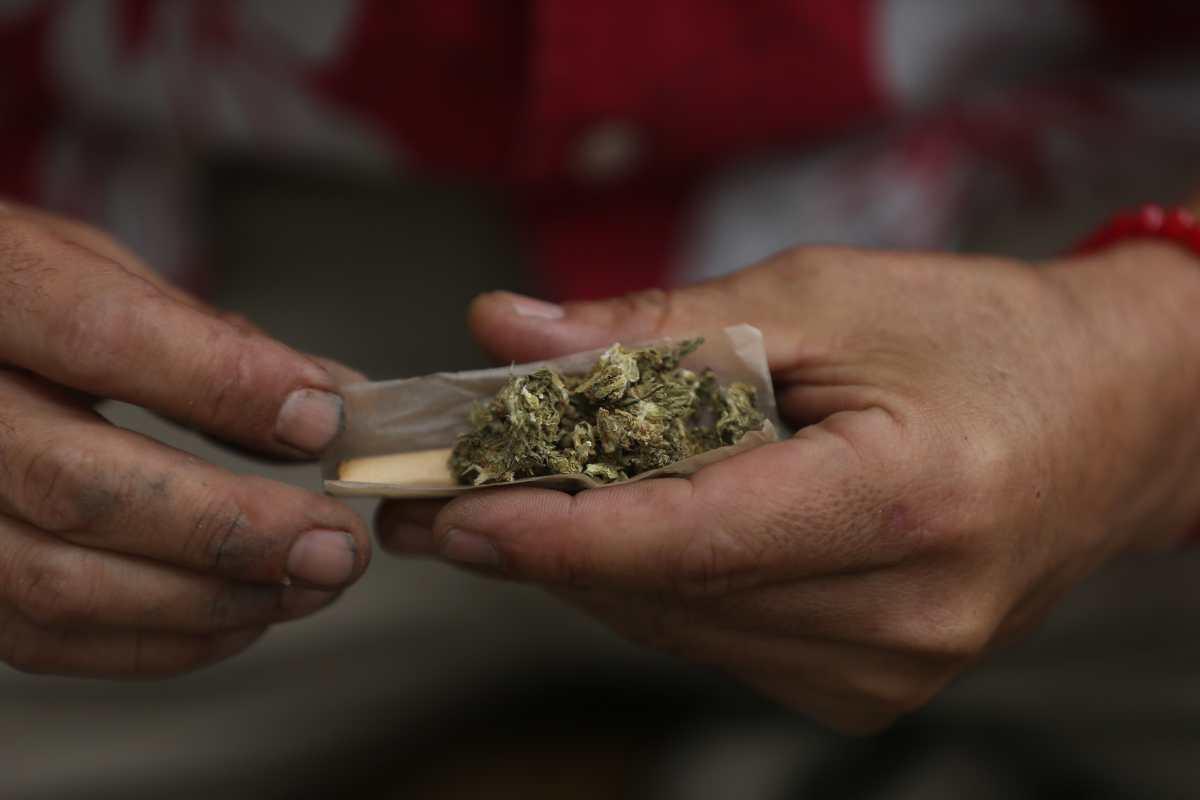 México despenaliza el consumo lúdico de marihuana pero no su comercialización