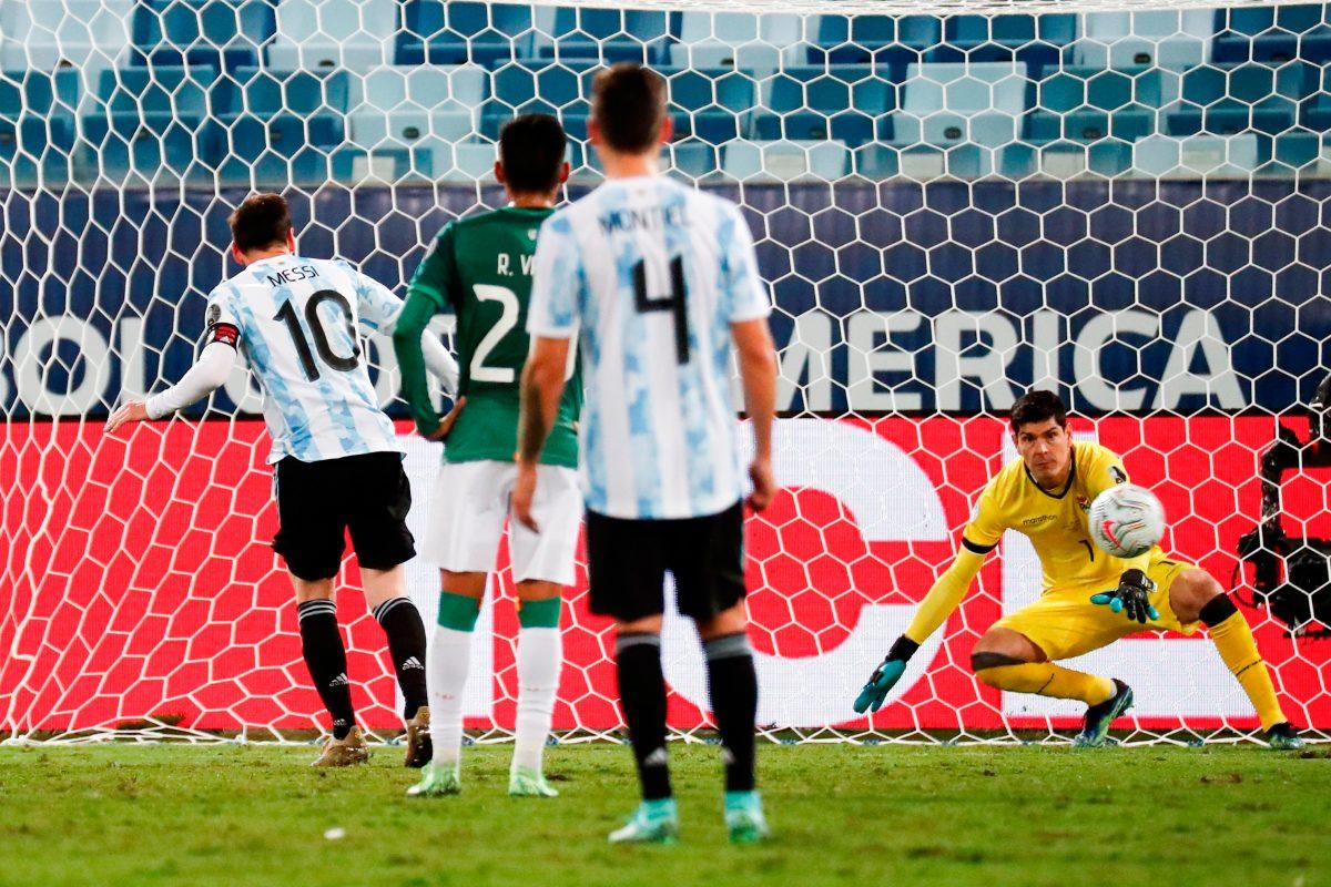 Argentina golea 4-1 a Bolivia en una noche mágica de Messi en la Copa América