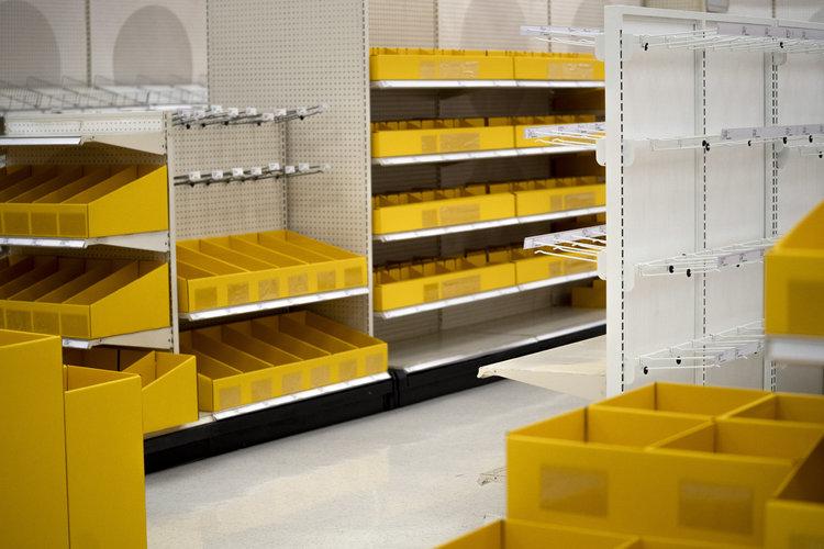 Los estantes vacíos de una tienda Target en Dallas el 25 de junio de 2020 ponen de manifiesto cómo todo tipo de empresas no estaban preparadas para una crisis. (Foto Prensa Libre: Nitashia Johnson/The New York Times)