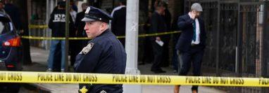 Hombre atacó a la Policía porque dijo que lo estaban controlando por un videojuego. (Foto referencial: AFP)