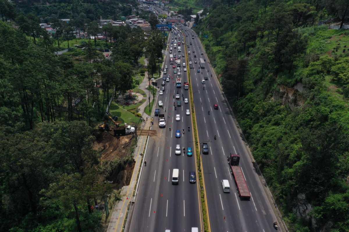 Esto pudo haber causado el hundimiento en la cuesta de Villalobos, donde el tránsito es complicado