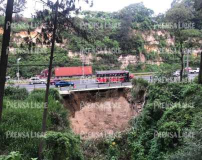 Socavón afecta a ruta de Villa Nueva en la que transitan unos 95 mil vehículos diarios