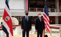El secretario de Estado de Estados Unidos, Antony Blinken, izquierda, en reunión con el canciller de Costa Rica, Rodolfo Solano. (Foto Prensa Libre: AFP)