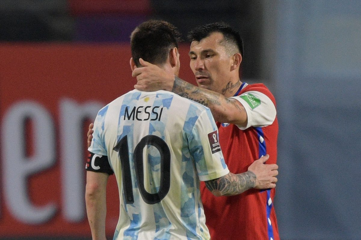 Leo Messi anotó un gol de penal, pero no fue suficiente para que Argentina venciera a Chile