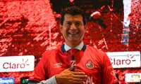 Newly appointed coach of Guatemala's Municipal football team, Paraguayan Jose Cardozo, who replaces Argentinian Sebastian Bini, poses for photographers during a press conference, in Guatemala City on June 4, 2021. (Photo by Johan ORDONEZ / AFP)