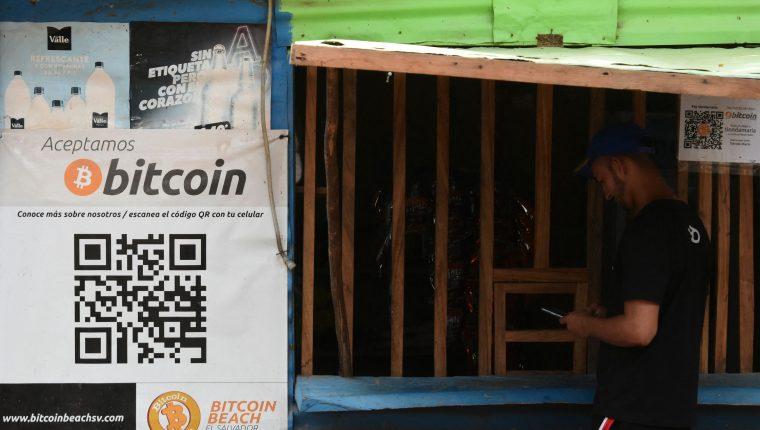 El Bitcóin es una moneda que ya está aprobada como uso corriente en El Salvador. Foto: AFP