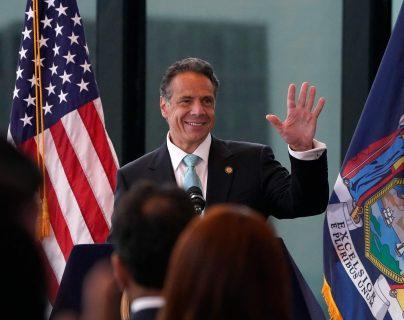 """""""Ahora podemos regresar a la vida como la conocíamos"""": Gobernador de Nueva York pone fin a restricciones contra el covid-19"""
