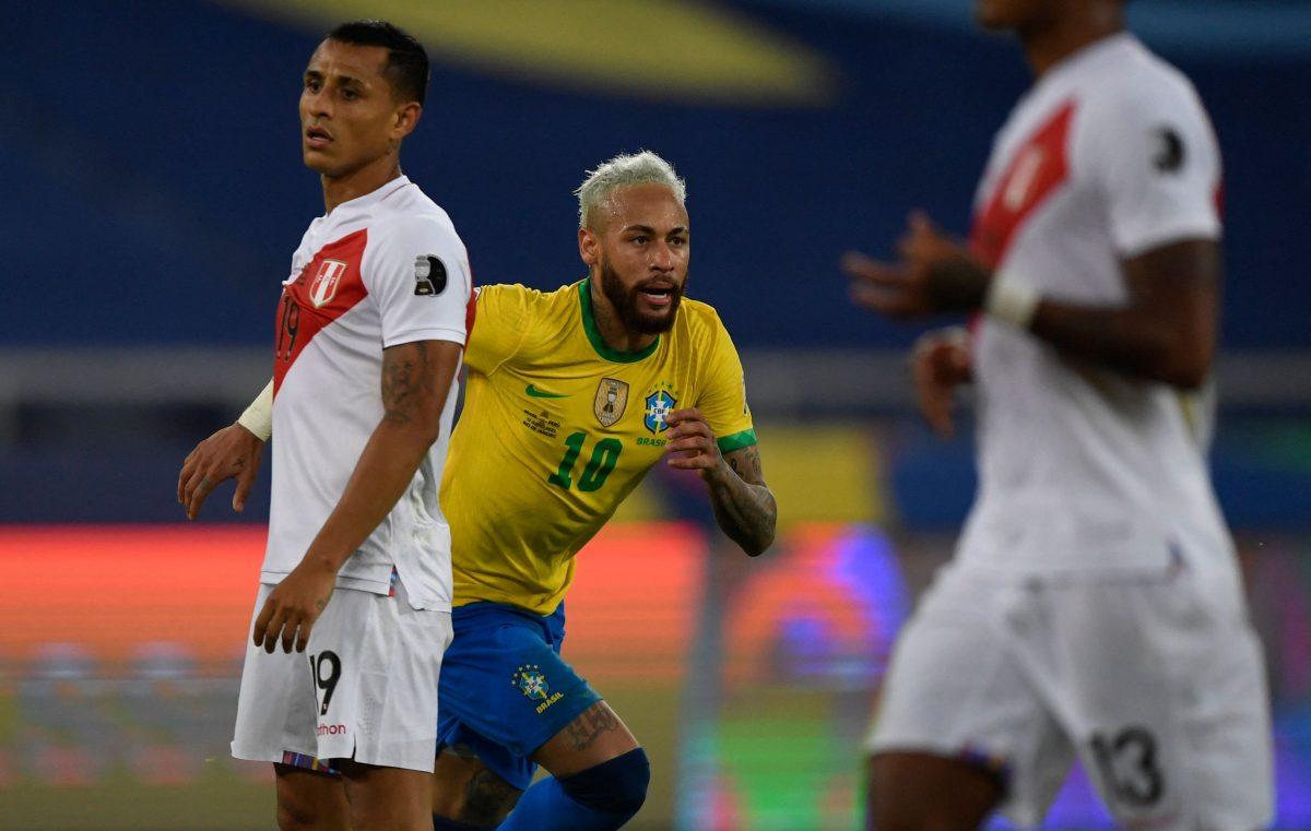 Brasil clasifica a cuartos de Copa América al golear al debilitado Perú