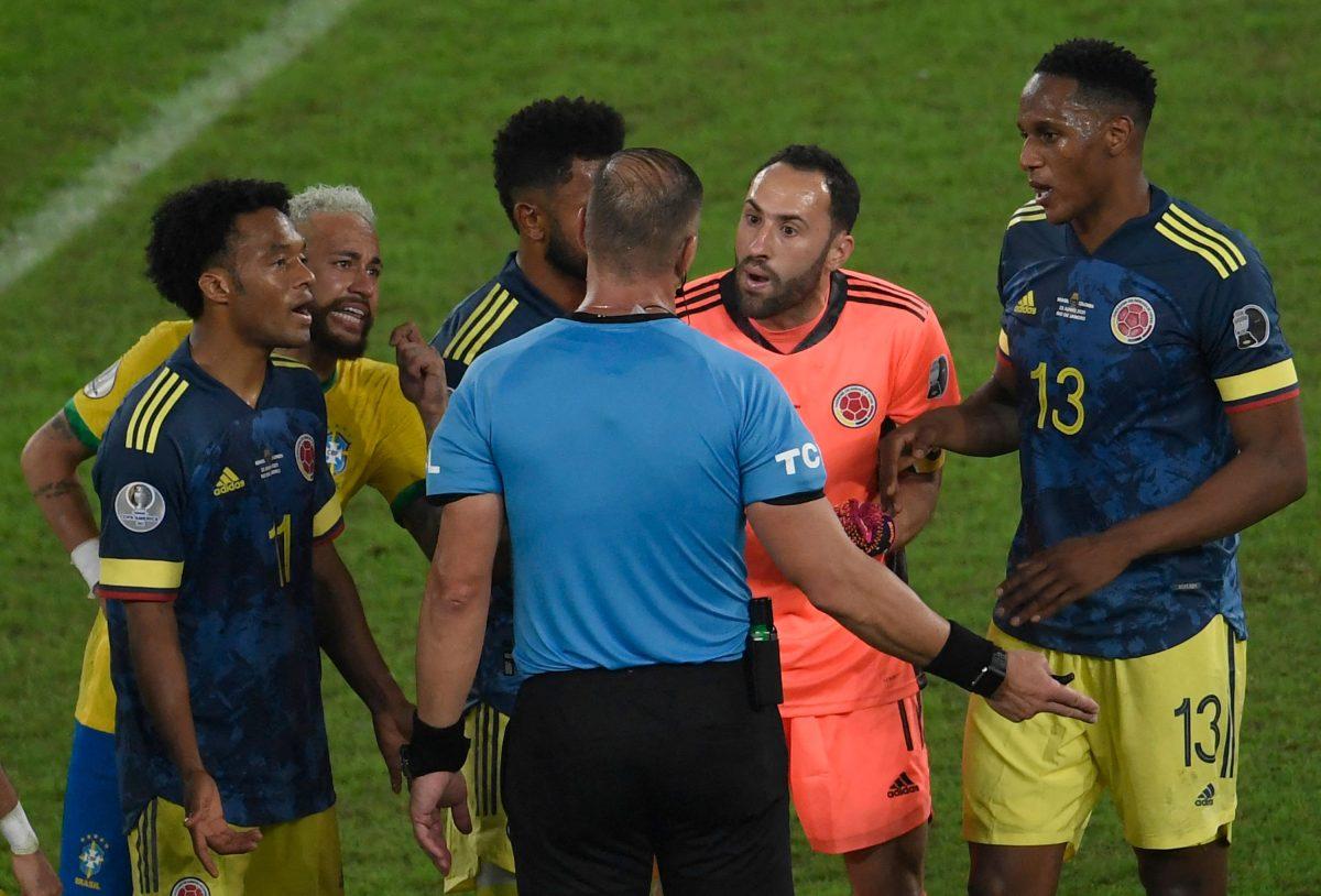 Brasil sigue su marcha en la Copa América con una polémica victoria de 2-1 ante Colombia