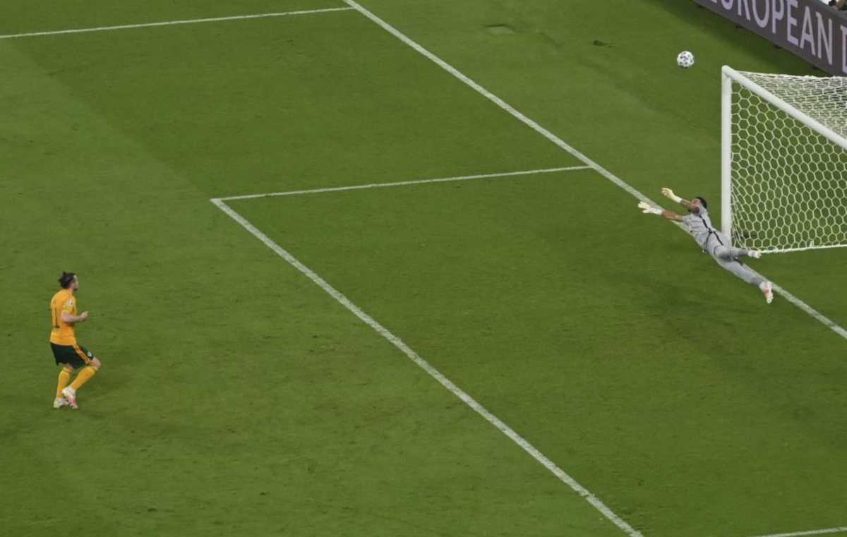 """¡Qué hiciste Bale! De dos exquisitas asistencias en los dos goles a fallar un penal con un """"balazo al aire"""""""