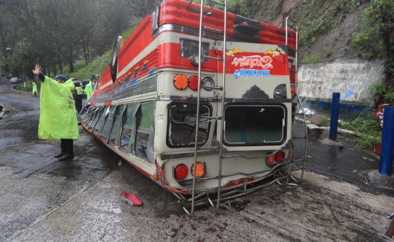 Autoridades confirman que piloto de bus accidentado manejaba en estado de ebriedad