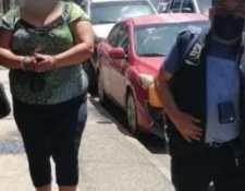Una de las capturadas por la muerte de Lendy Mishel Monterroso Juárez, en Escuintla. (Foto Prensa Libre: PNC)