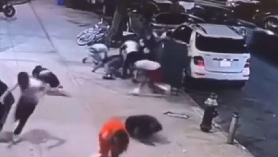 Hombre fingió estar muerto para sobrevivir a una balacera y video se hace viral en Tik Tok