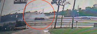 El accidente quedó grabado. (Foto captura de pantalla Youtube/ 12NewsNow).