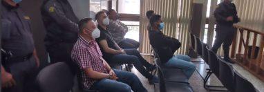 Los cinco condenados por la muerte del exmagistrado José Arturo Sierra, durante una audiencia. (Foto Prensa Libre: Edwin Pitán)