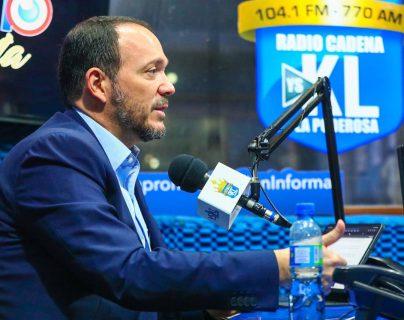 """Ministro salvadoreño admite que el gobierno de Bukele da """"seguimiento"""" a periodistas y que la libertad de expresión """"tiene su límite"""""""