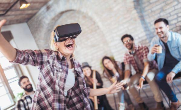 La gamificación en las empresas se refiere a mejorar la experiencia de los participantes en las capacitaciones, a través de juegos que permiten fijar los conceptos. (Foto Prensa Libre: Shutterstock)