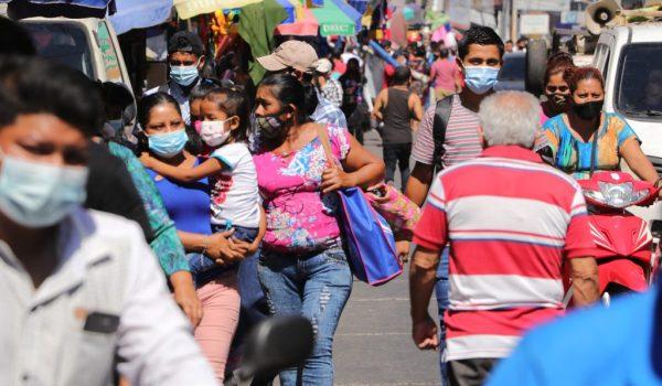 La ministra de Salud pidió evitar las aglomeraciones y no salir durante el fin de semana debido a la alta positividad del coronavirus. (Foto: Hemeroteca PL)