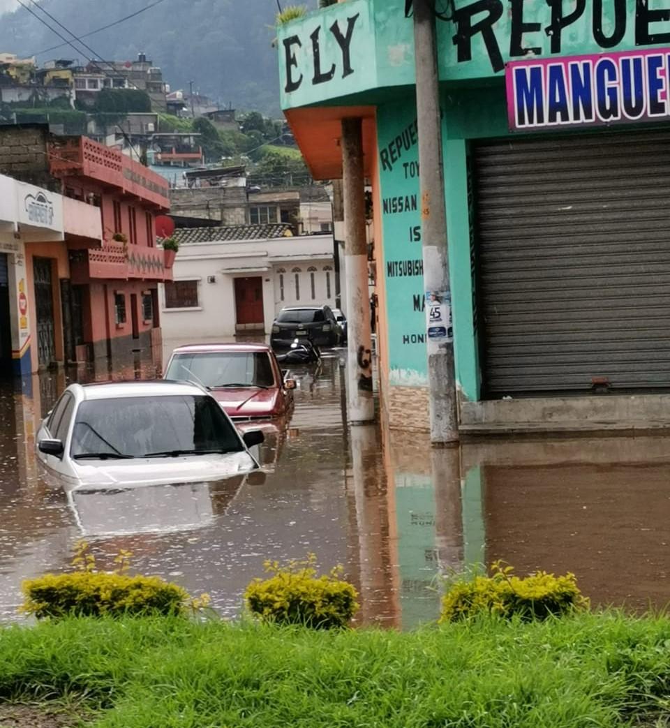 Inundaciones y viviendas dañadas dejan lluvias en las últimas horas