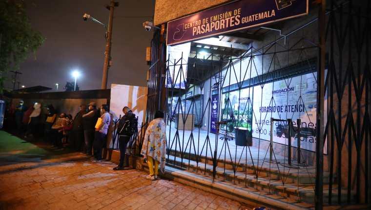 Si pronto no se logra comprar nuevas cartillas, podría haber desabastecimiento en los próximos meses. (Foto Prensa Libre: Hemeroteca PL)
