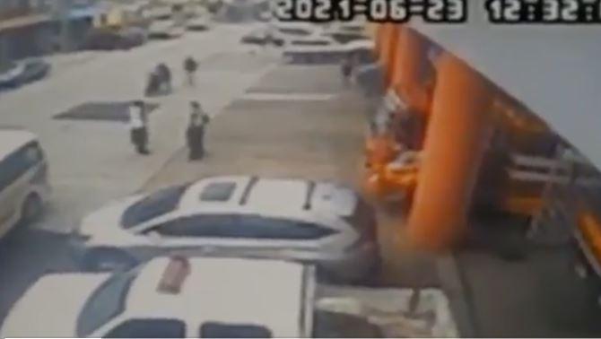 En Video: Hombres fingen fallas mecánicas en su moto para asaltar a socorristas