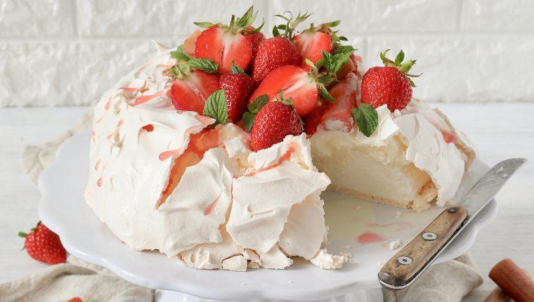 Pavlova:una fiesta de fresas y merengue