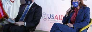 Samantha Power, jefa de USAID durante la presentación del programa para emprendedores en el Campus Tec. La acompañó el embajador de EE. UU. en Guatemala, William Popp. (Foto Prensa Libre: Esbin García)