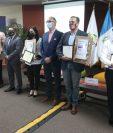 Representantes de más de 40 restaurantes recibieron el Sello de Bioseguridad Turística y Safe Travels por parte del Inguat. (Foto Prensa Libre: Erick Ávila)