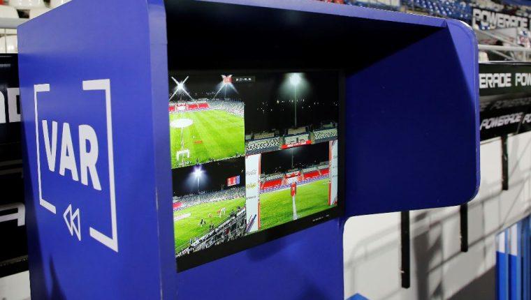 El VAR se utilizará por primera vez en la Eurocopa. (Foto Prensa Libre: EFE)