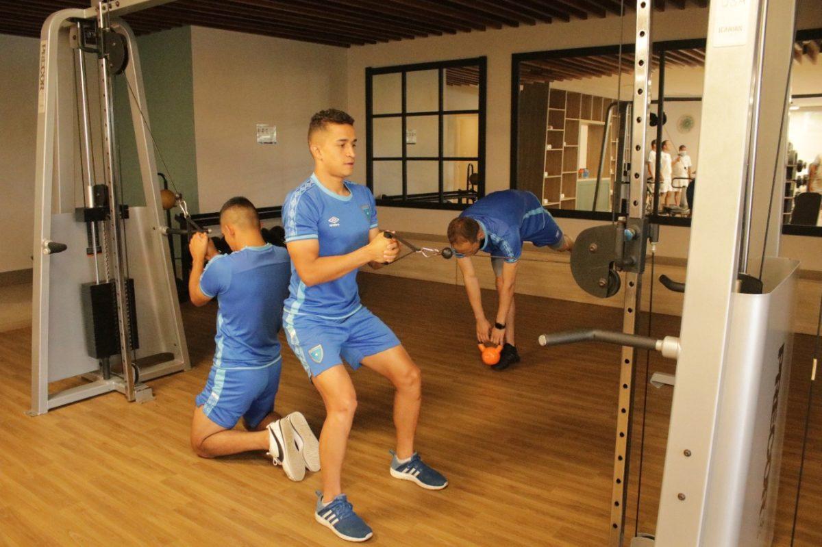 Guatemala realiza trabajo de gimnasio y por la tarde entrenará en el Estadio Jong Holland