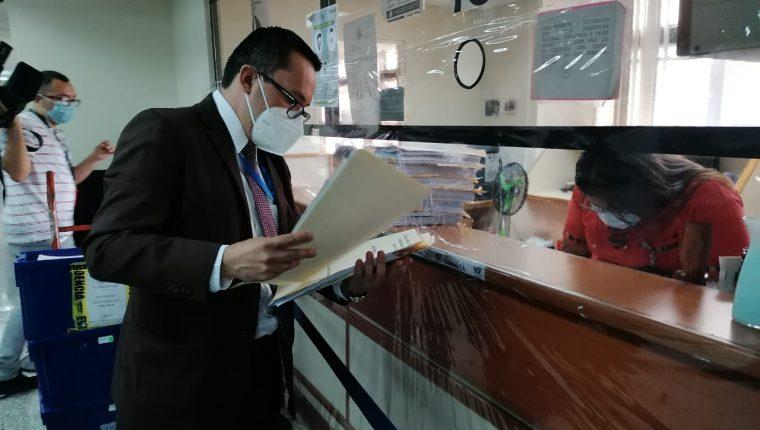 El fiscal Rudy Herrera presenta los antejuicios en Gestión Penal del Organismo Judicial. (Foto Prensa Libre: Cortesía)