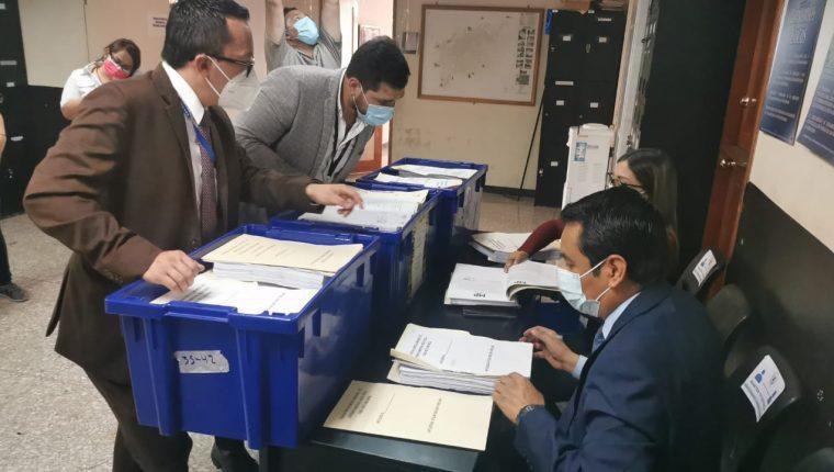 Los representantes del MP incluyeron en los antejuicios numerosos medios de investigación para respaldar los señalamientos. Fotografía: Prensa Libre (Cortesía).