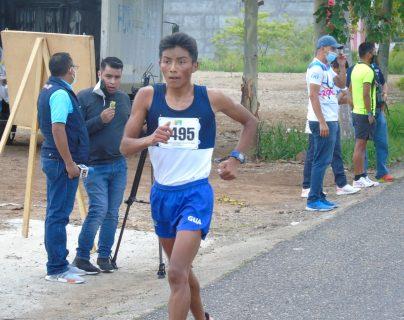 Pedro López y Yasury Palacios domina los 20 kms del Centroamericano de Marcha