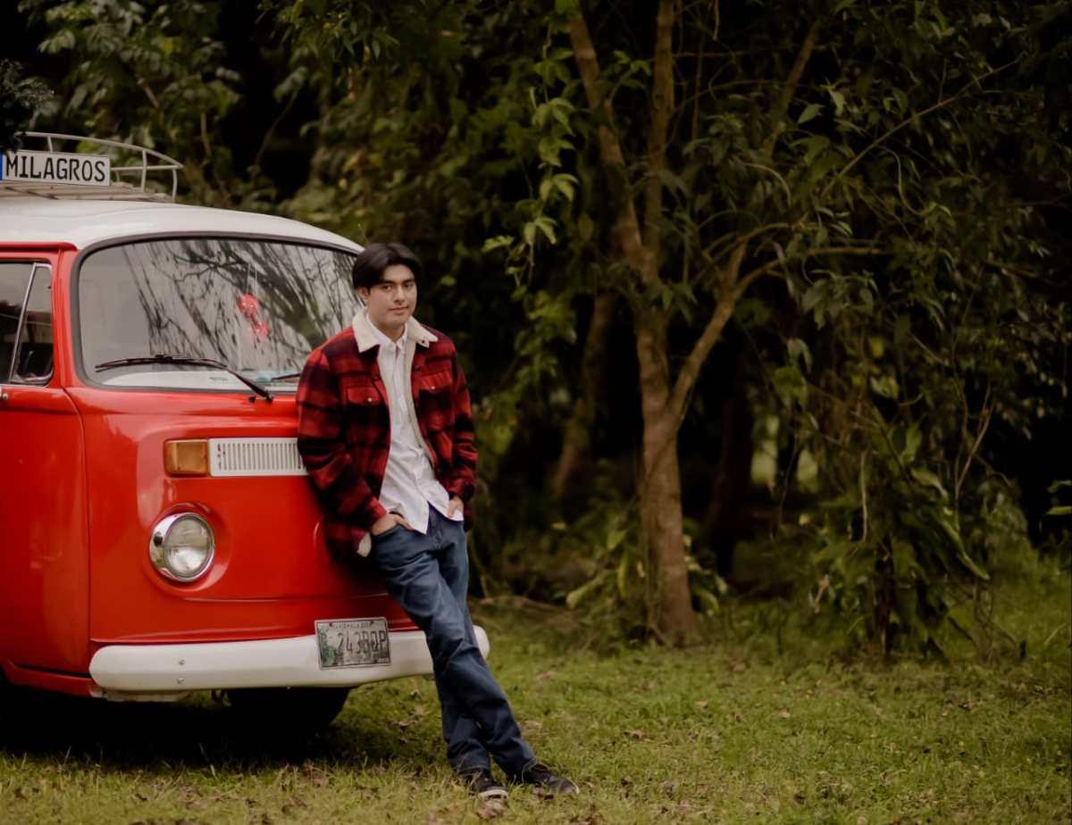 El guatemalteco de 17 años que impresiona en Tik Tok y publica su primera novela