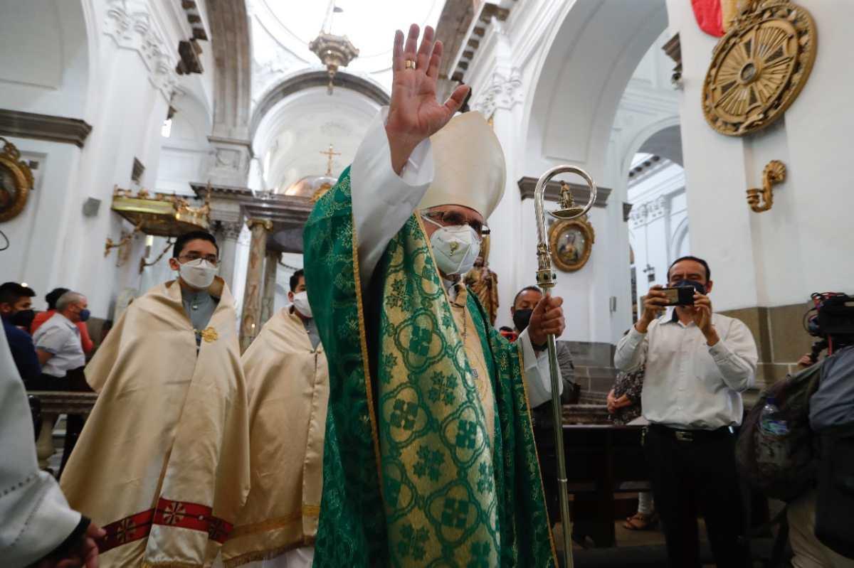 """""""Una vida de entrega"""": celebran los 50 años de sacerdocio del cardenal Álvaro Ramazzini"""
