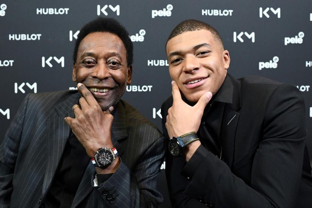 """Mantén la cabeza en alto"", pide Pelé a Mbappé tras eliminación de Francia"