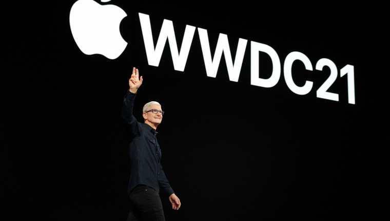Tim Cook, durate la Conferencia Mundial de Desarrolladores de Apple presentó iOS 15. (Foto Prensa Libre: AFP)