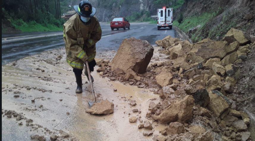 En imágenes: advierten sobre saturación del suelo por lluvia, que ya deja varios muertos