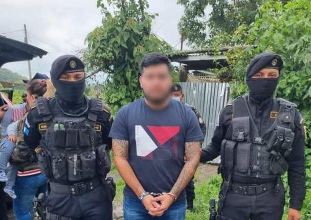 Kevin Yordano Ortiz López, hijo del narcotraficante Juan Ortiz, alias Chamalé, fue detenido en Colomba, Quetzaltenango, con fines de extradición a Estados Unidos, por narcotráfico. (Foto Prensa Libre: MP)